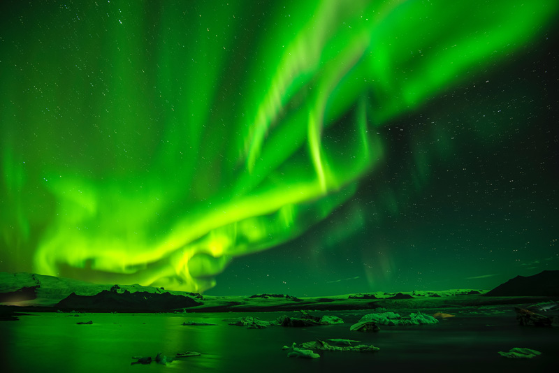 Discover the northern lights with Midnight sun travel